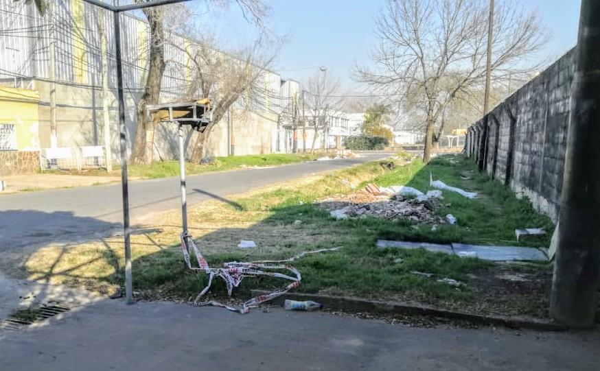 El cuerpo estaba en la vía pública (Rplus)