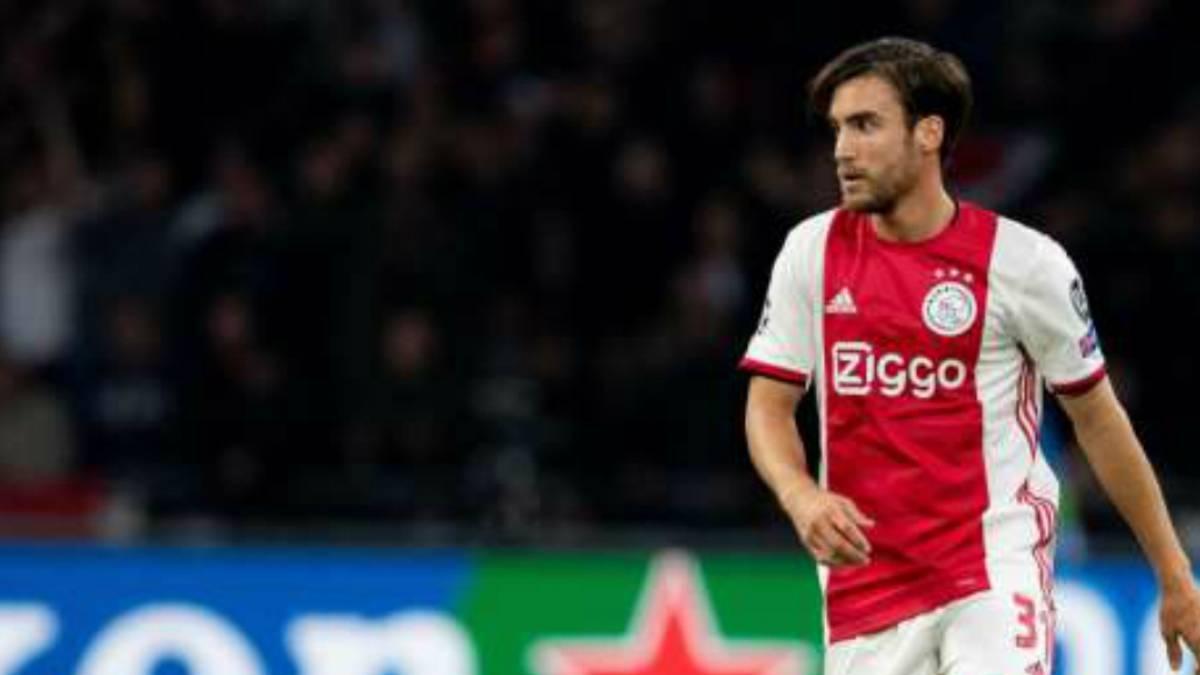 Nicolás Tagliafico, hoy en Ajax, apuntado por el DT del Barcelona.