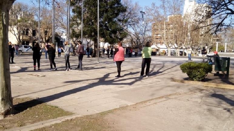 La marcha comenzó y finalizó frente al Palacio Municipal.