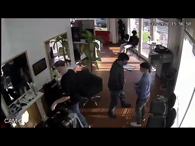 Una escena del asalto que captó la cámara del negocio.