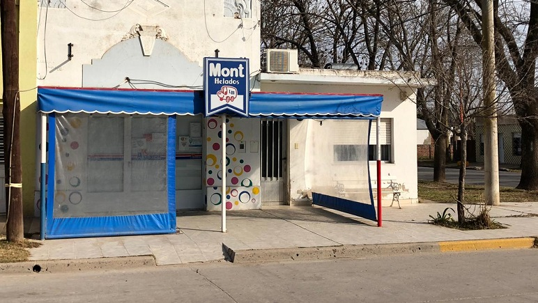 El kiosco donde trabajaba la víctima del femicidio.