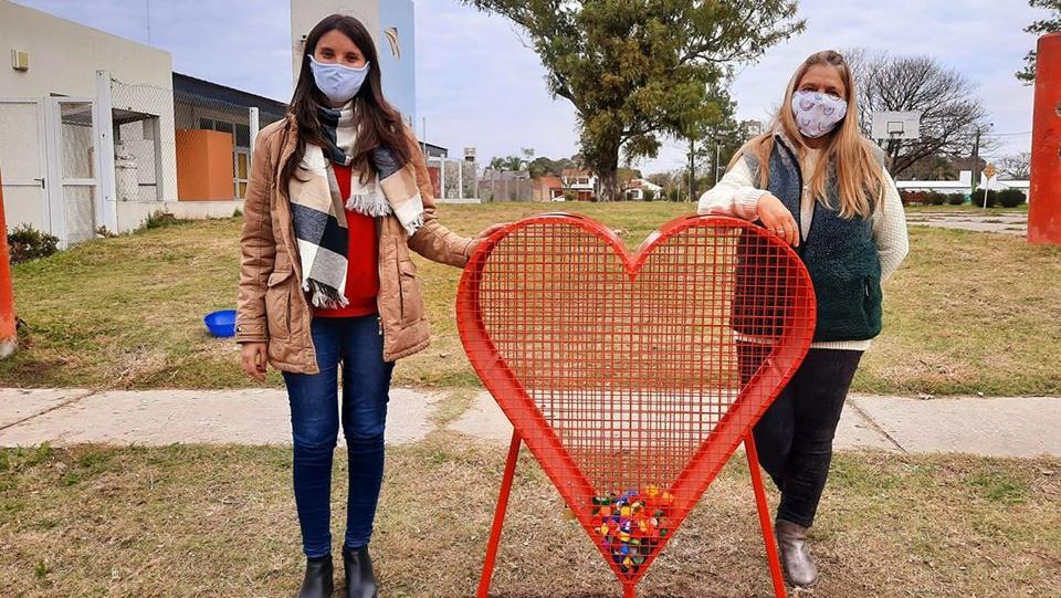 El Corazón Ecológico ya colocado en una zona central de la localidad.