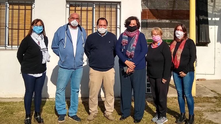 Lucas Lergart, junto a los integrantes de la Cooperativa Eléctrica Chabasense.