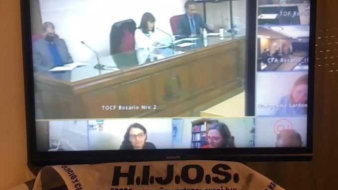 Miembros de HIJOS vieron la sentencia por streaming y compartieron en redes.