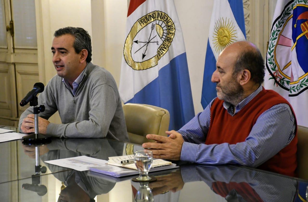 El intendente brindó una conferencia de prensa (Rosarioplus)