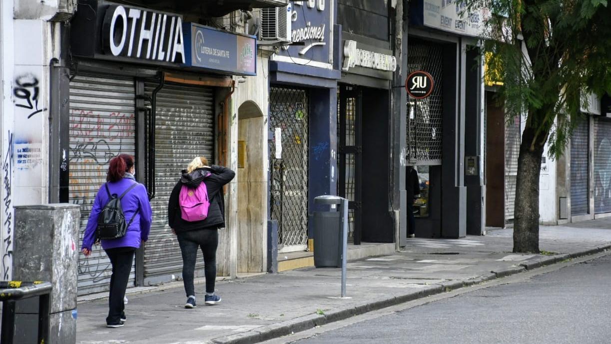 Aunque varios comercios volvieron a trabajar, las agencias siguen cerradas.