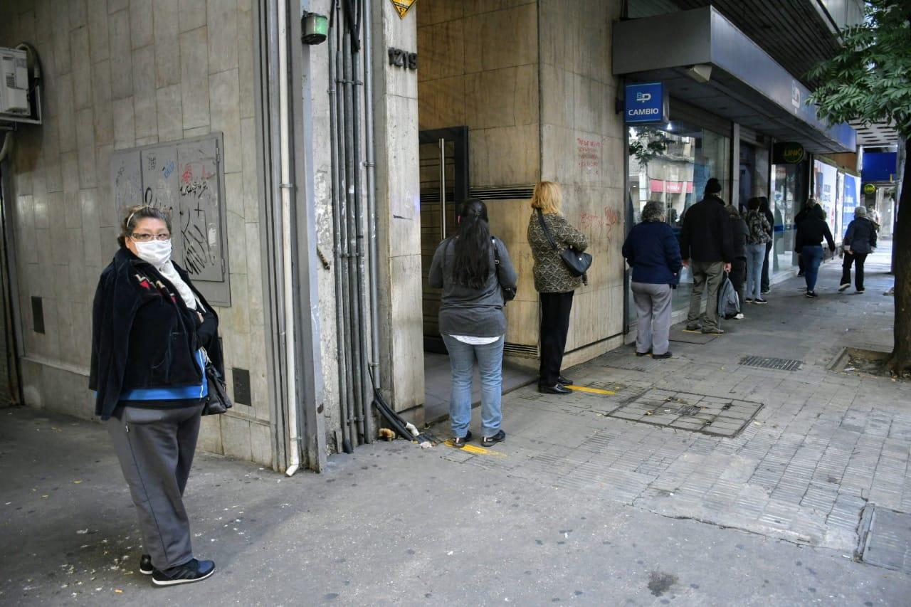 La nueva etapa de la cuarentena no incrementó el flujo de gente en el centro. (Foto: Rosario Plus)
