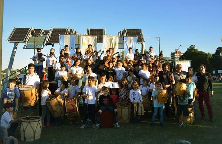 La Orquesta Infanto Juvenil de Baigorria en pleno despliegue antes de la cuarentena