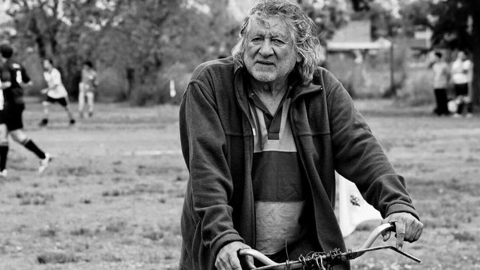 El Trinche en su bicicleta