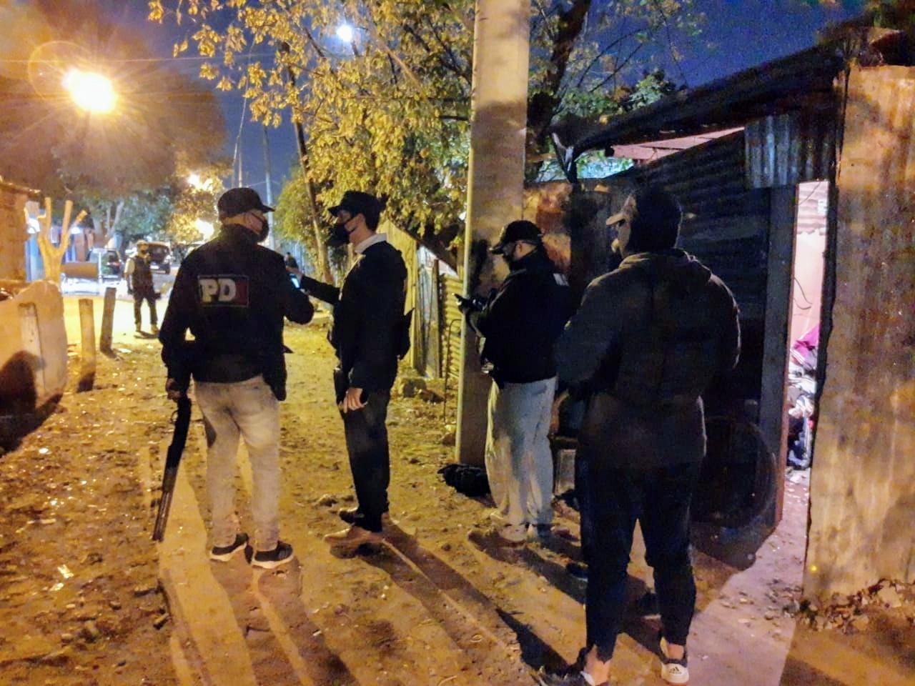 Alrededor de 60 agentes participaron del operativo. (Foto: Rosario Plus)
