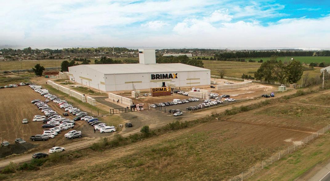 La planta de Brimax, sobre la autopista a Santa Fe.
