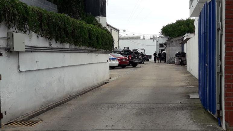 El acceso a las pabellones por calle Sarmiento.