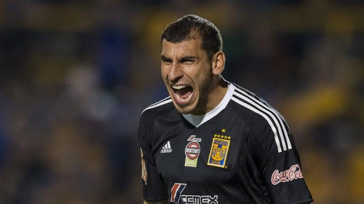 Al Patón le quedan tres años de contrato en Tigres