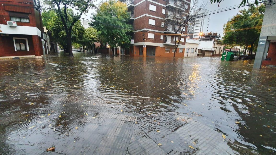 Dorrego e Ituzaingo, uno de las zonas anegadas (Rosarioplus)
