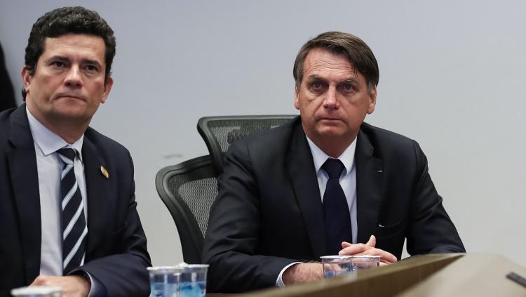 Moro y Bolsonaro aliemntan la crisis en Brasil