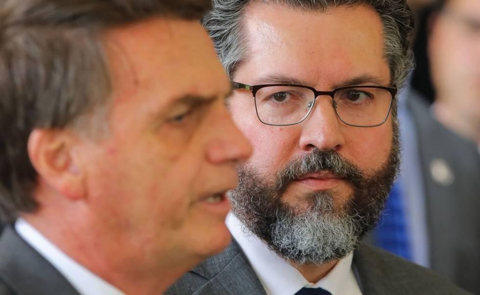 El gobierno de Bolsonaro cree en una conspiración mundial