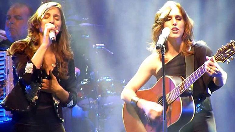 La Nati y la Sole unen sus voces.