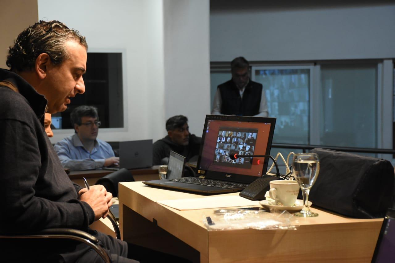 El intendente de Rosario, vía videoconferencia con concejales (Rosarioplus)
