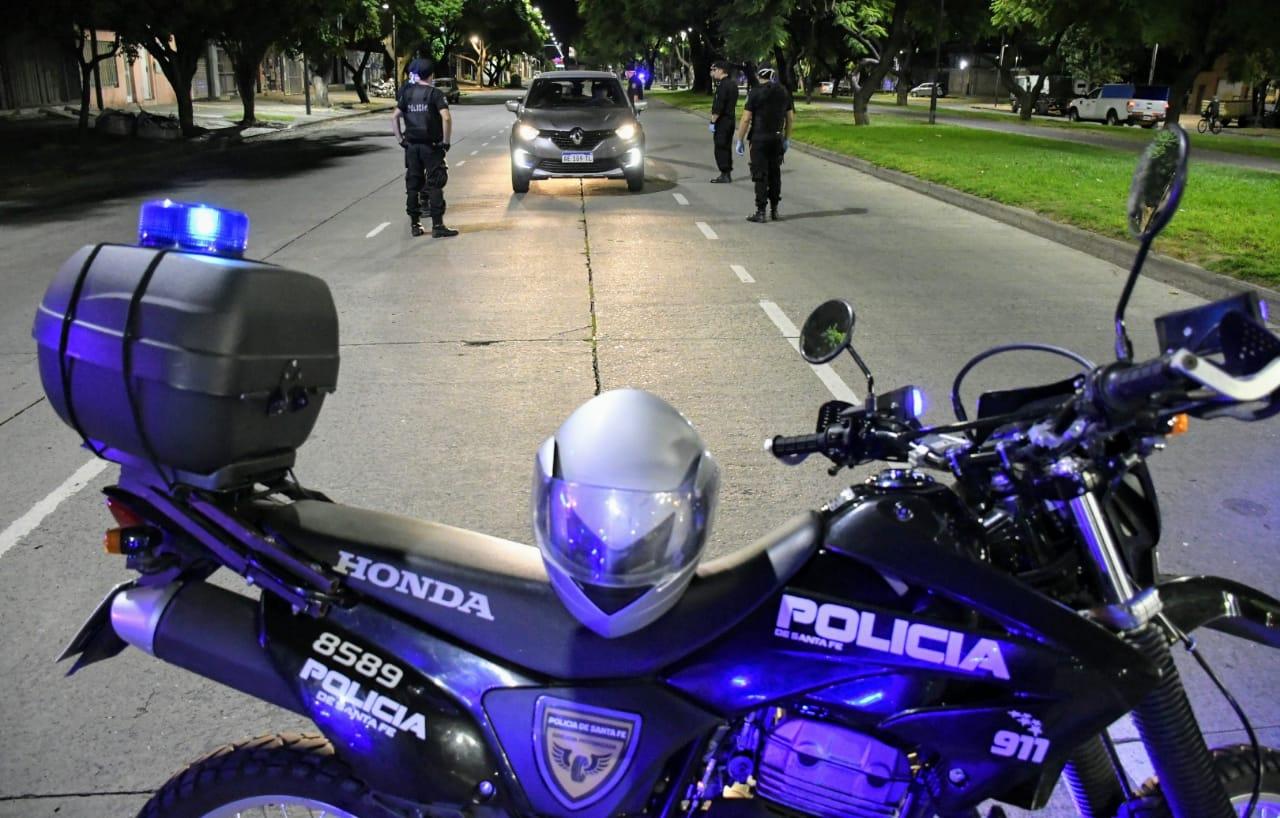 Controles policiales en Rosario (Rosarioplus)