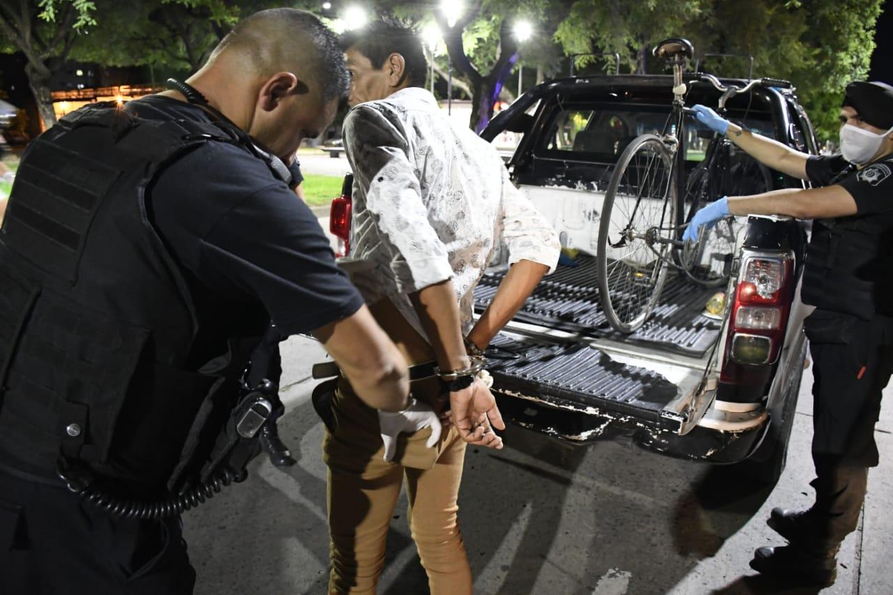 El despliegue policial en los barrios, bajo la lupa.