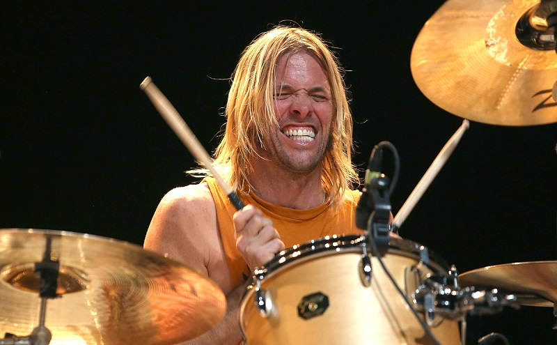 El baterista de Foo Fighters brinda clases por Instagram.