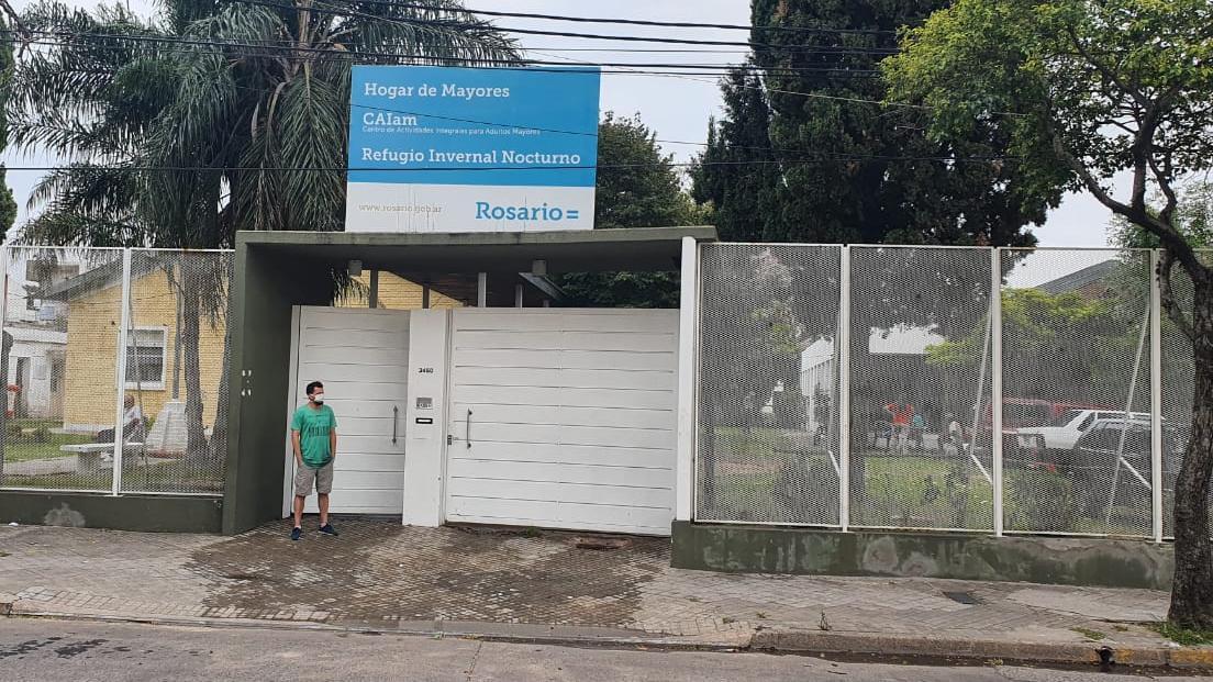 Los refugios municipales para adultos mayores funcionan en distintos puntos de Rosario.