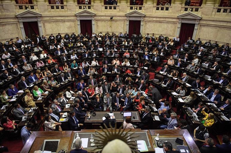 El bloque oficialista se abstuvo de votar el repudio al golpe en Bolivia.