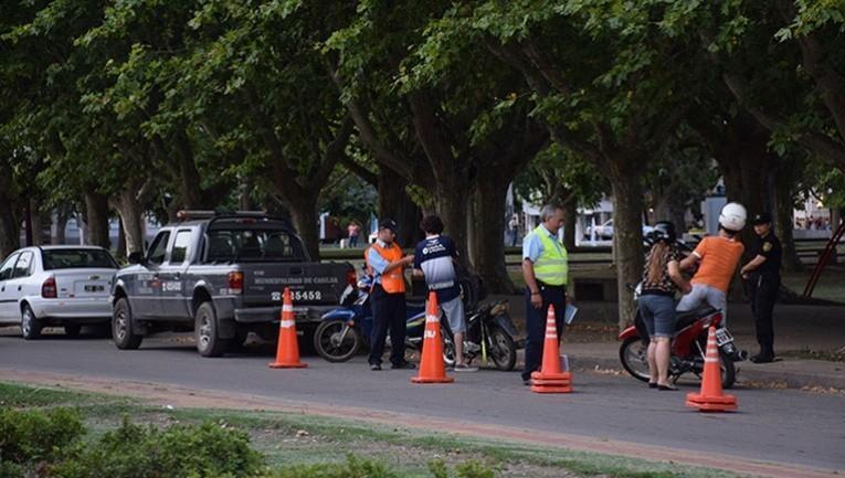 Tránsito se mantiene en las calles.
