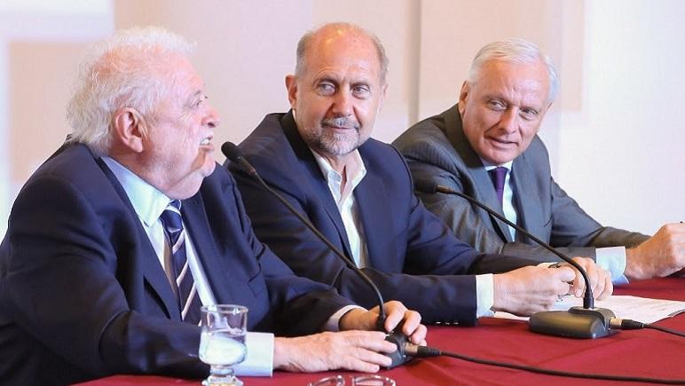 Ginés González García y Omar Perotti en conferencia de prensa.