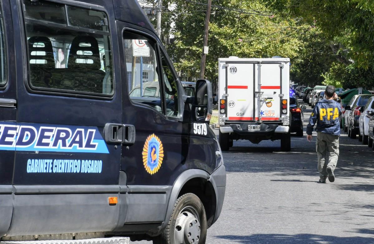 La unidad sanitaria traslada el cuerpo de Orellano hacia G. Baigorria.
