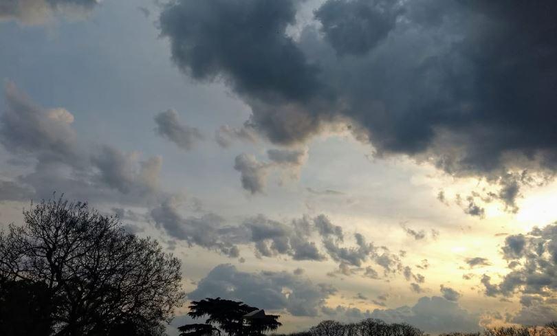 Entre sol y nubes