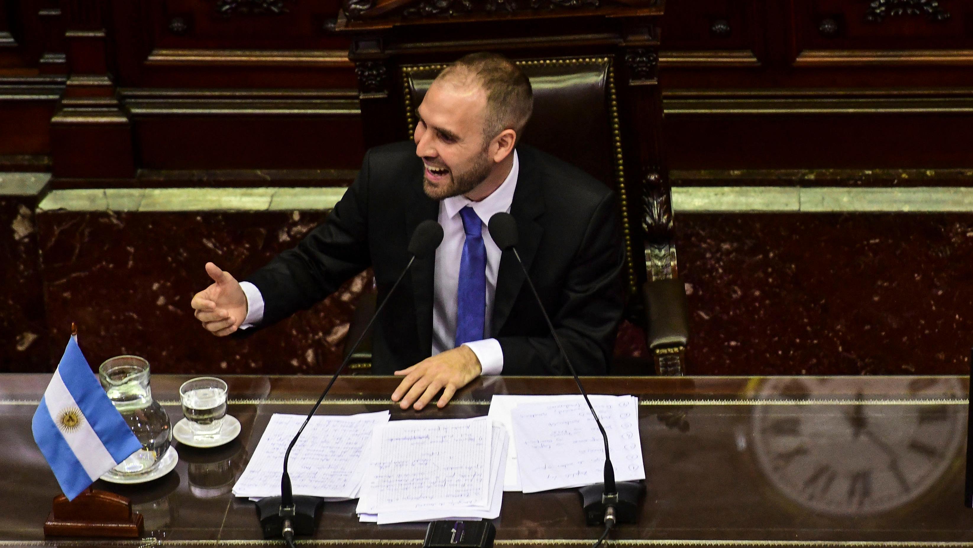 Guzman asistió a una sesión especial en Diputados.