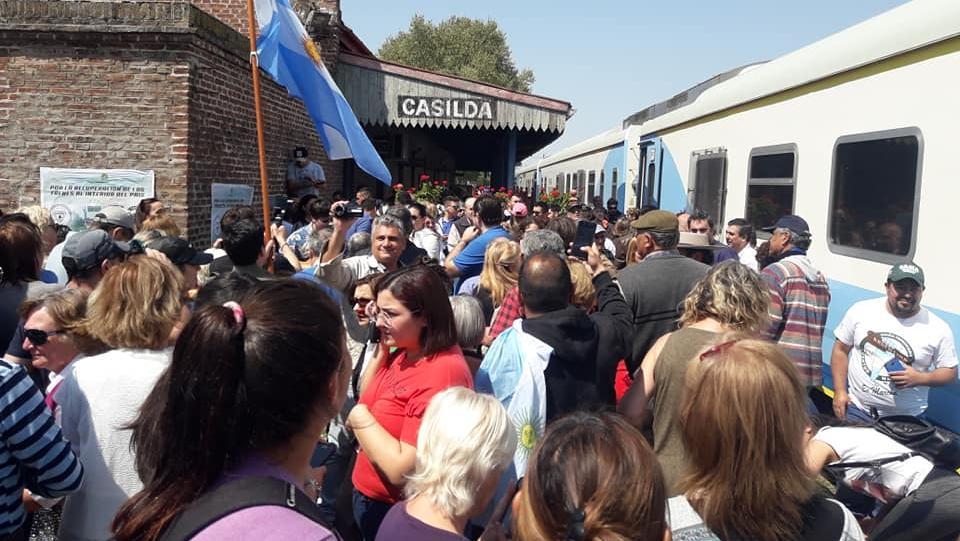 Una multitud recibió al Tren Solidario en la ciudad.