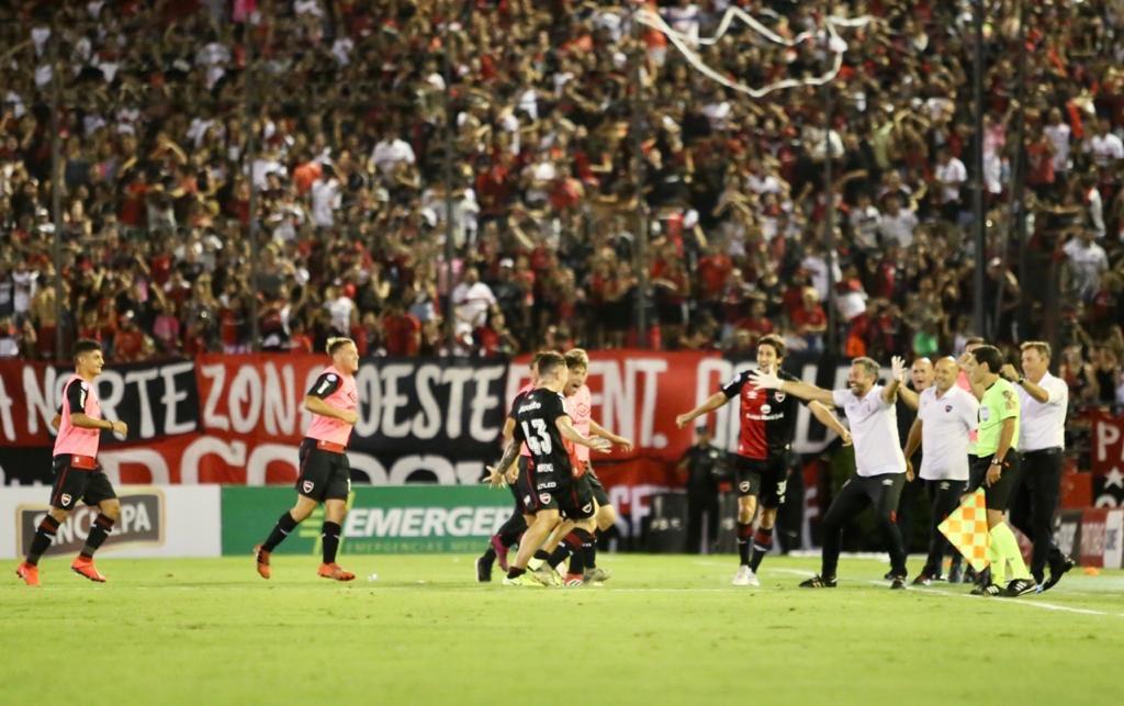 Festejo del gol (@CANOBoficial)