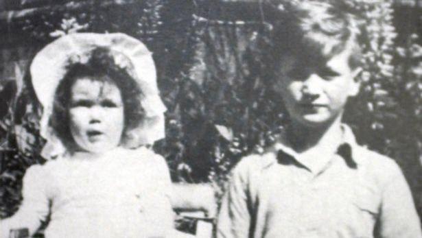 Una de las pocas imágenes de su infancia juntos.