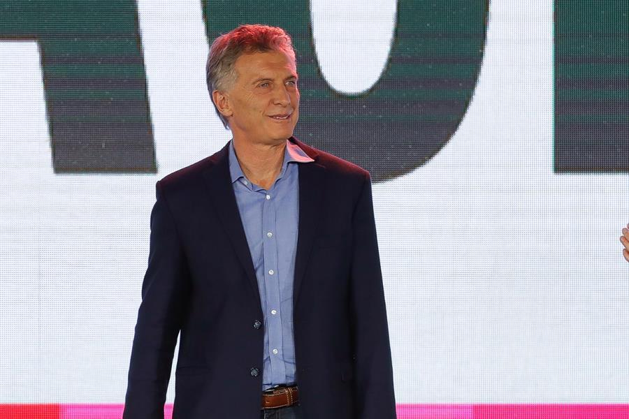 Hay indignación general por la designación de Macri para la Fundación FIFA.