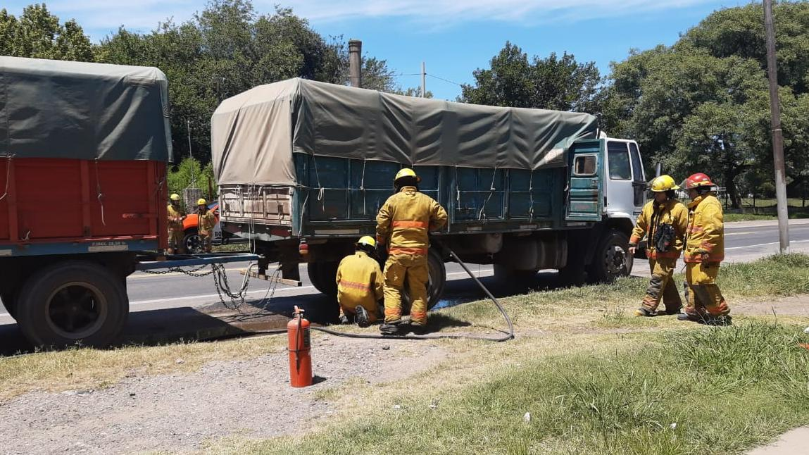 Los bomberos trabajaron arduamente.