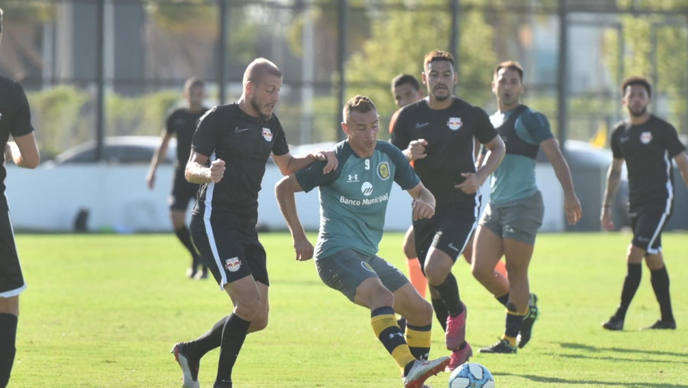 Cocca le dio acción a varios jugadores (Foto de @CARCoficial)