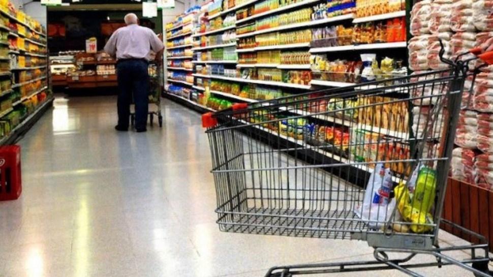 Advierten riesgos en caso de congelarse los precios de productos básicos