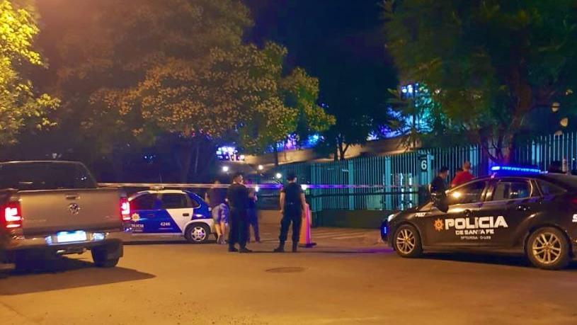 La policía en el lugar de los hechos, primeros momentos del estupor.