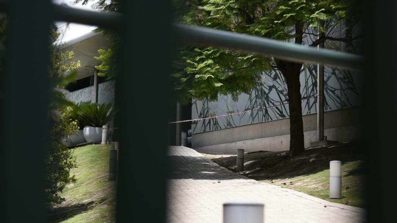 El balcón trasero del complejo recreativo, en Moreno al 6300. Escena del crimen.