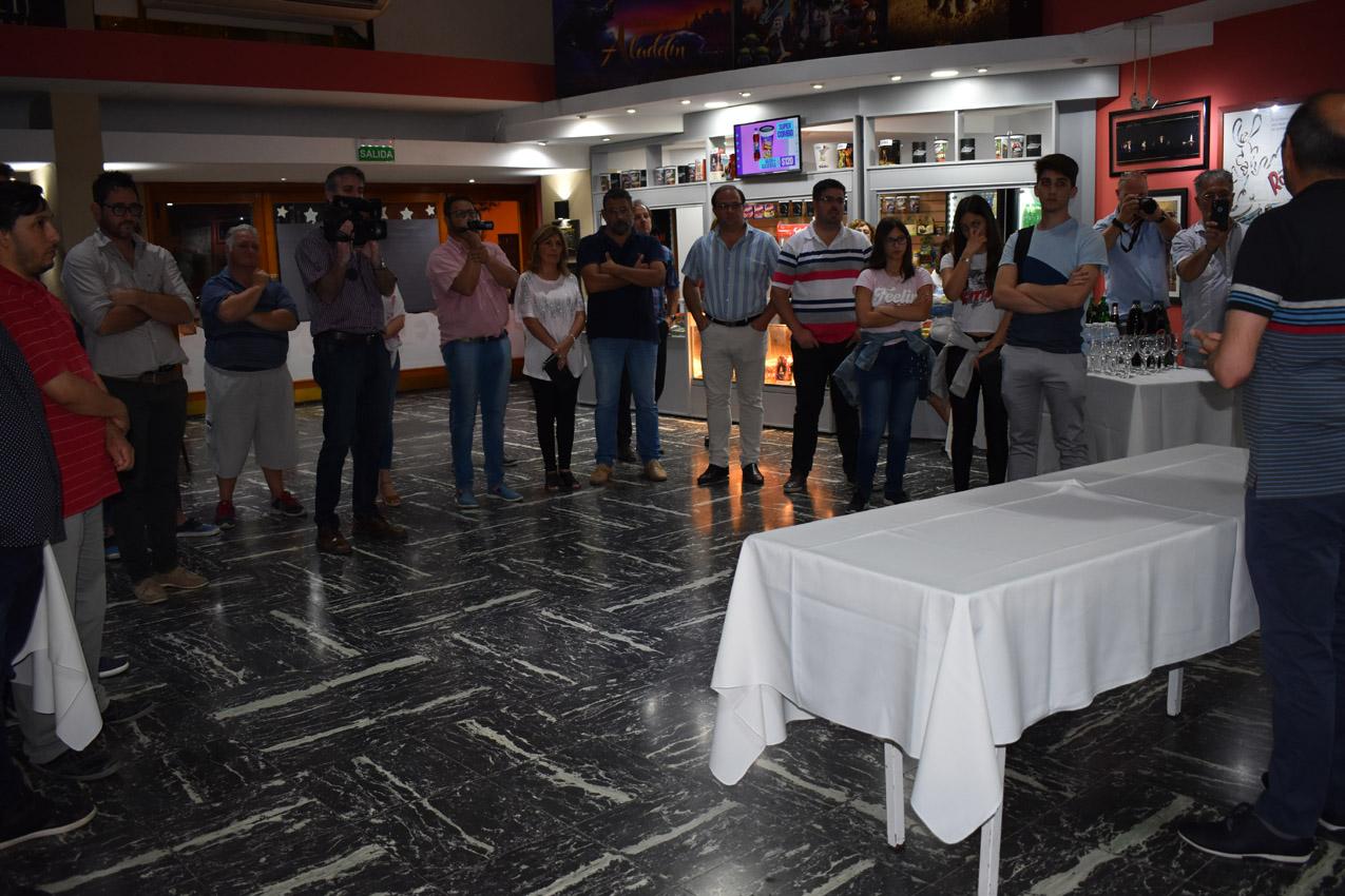 Agasajo, festejos y emoción por el Cine Teatro Libertador