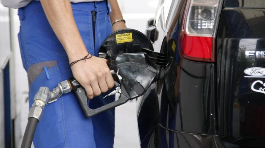 A cargar. El precio del combustible se modifica con el cambio de mes.