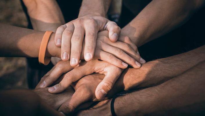 Solidaridad, apoyo, colaboración.
