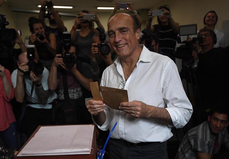 Martínez, el candidato del FA que habrá de enfrentar a toda la oposición junta.