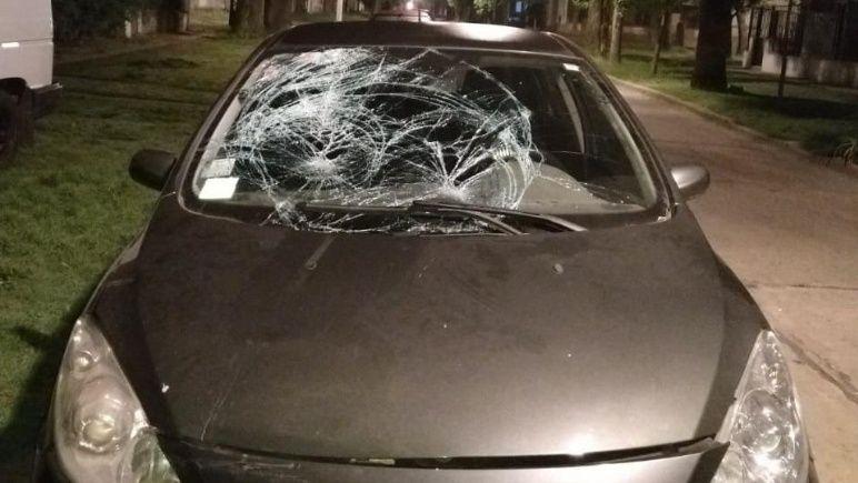 Así quedó el auto tras embestir al oficial en el operativo de tránsito