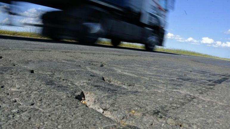 """""""Las rutas son probablemente las obras de mayor inversión que hace un gobierno"""", dijo Lifschitz."""