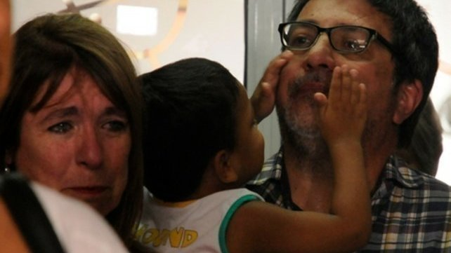 Kiki vuelve con su primera familia solidaria.