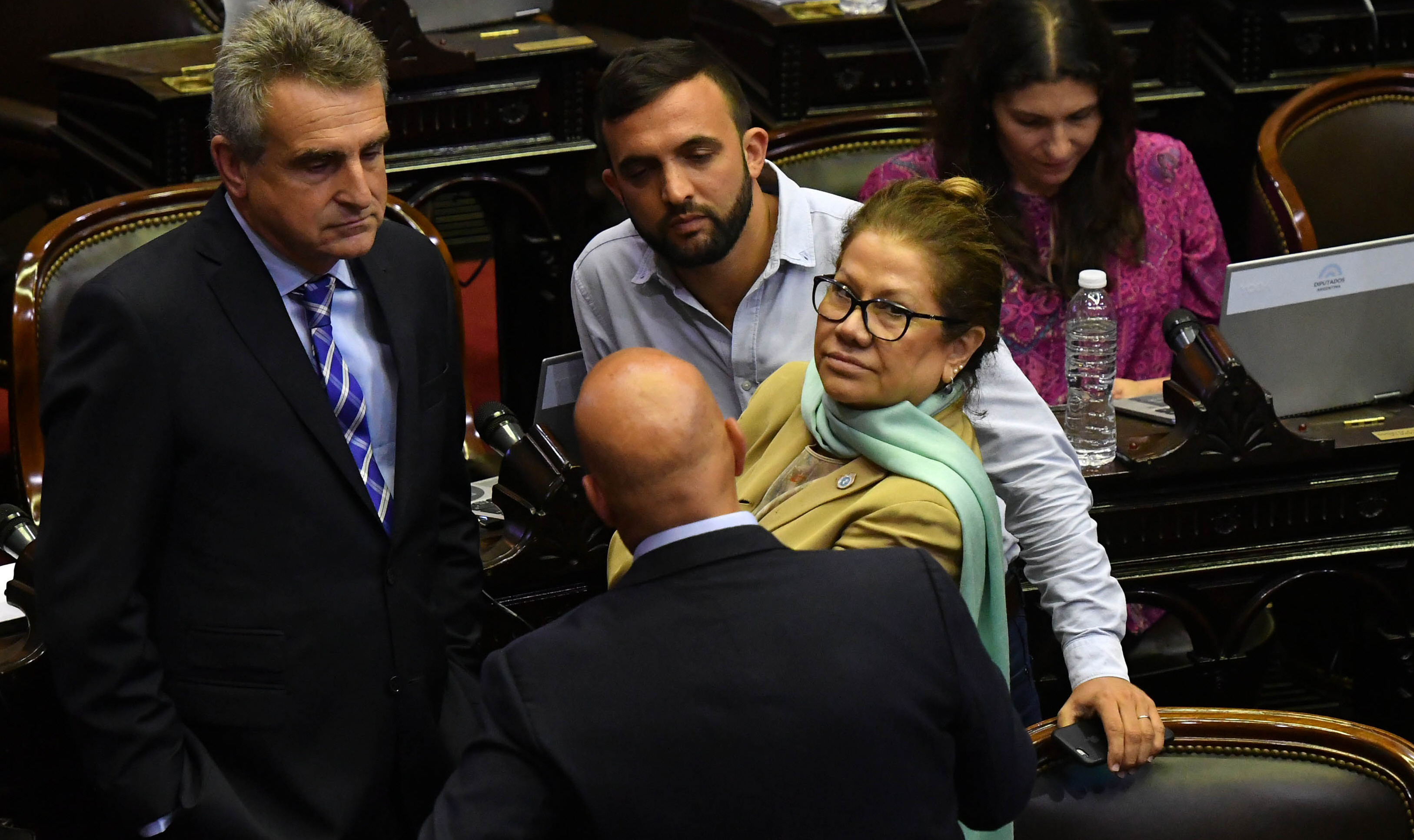 La oposición buscará la unificación de criterios para impulsar una sesión especial el próximo jueves.