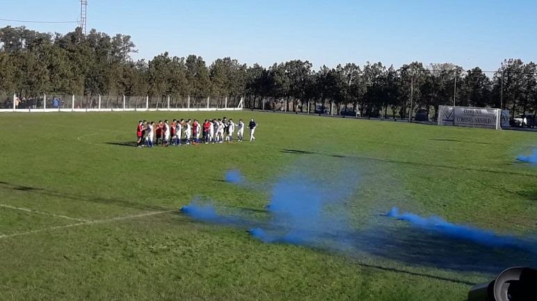 Arnold FC festejó en el choque interzonal contra Unidos.